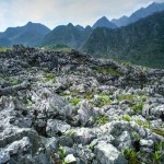 bãi đá mặt trăng trên cao nguyên Hà Giang