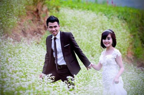 Chụp ảnh cưới tam giác mạch ở Hà Giang