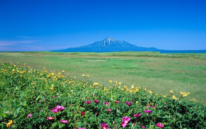 Những hòn đảo kỳ lạ của Nhật Bản