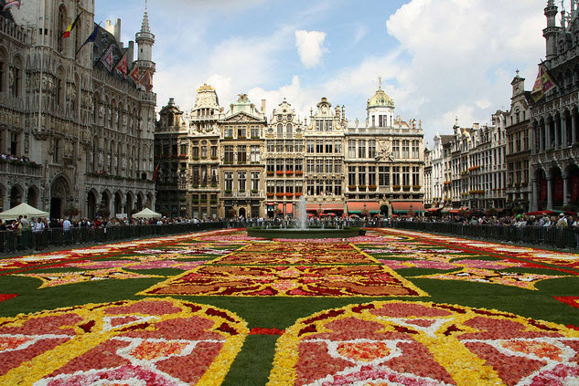 Quảng trường xinh đẹp Grand