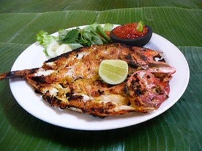 Món cá ướp cay - Indonesia